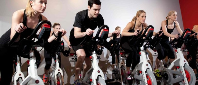 Сайкл тренировки - велокрос в фитнес-клубе