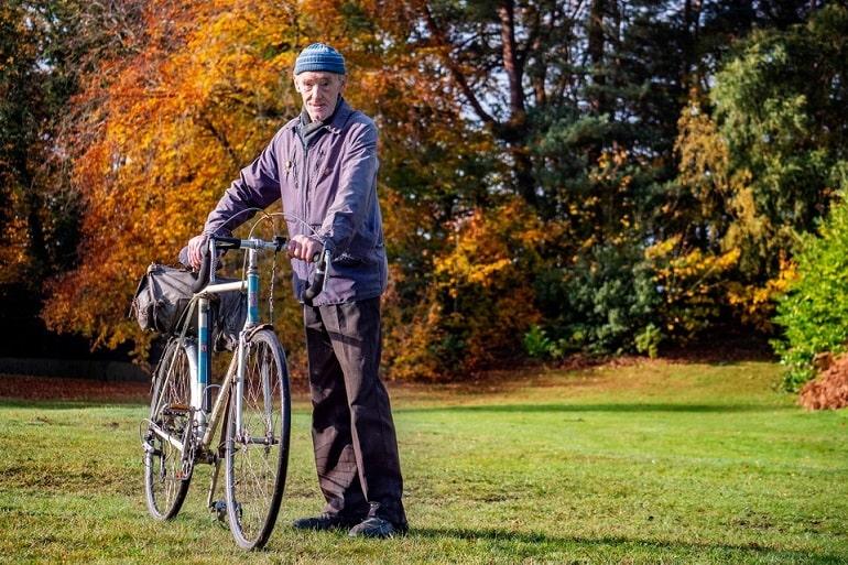 82-летний британец стал первым, кто проехал на велосипеде миллион миль