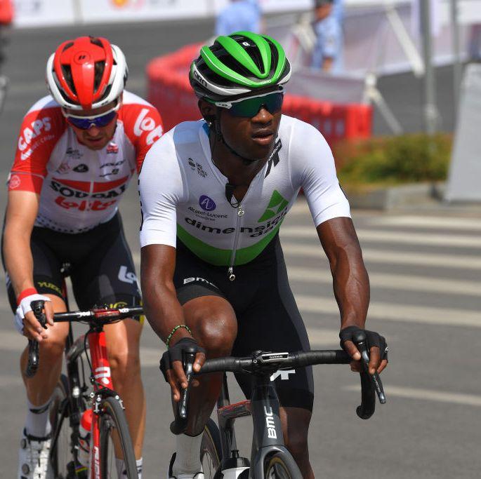Южноафриканский профессиональный велосипедист получил перелом руки во время ссоры с парковыми рейнджерами