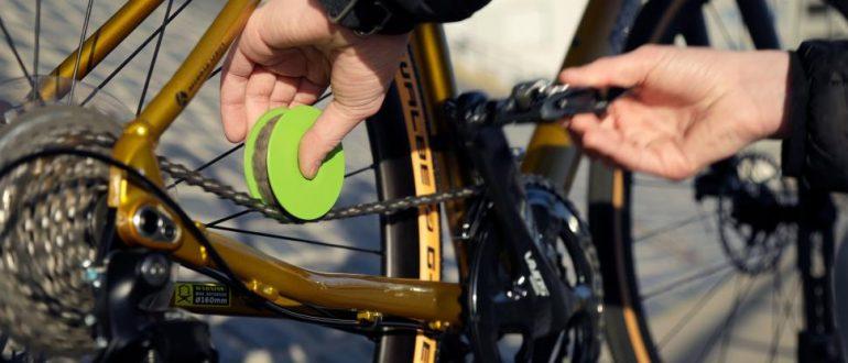 Средство Green Disc Eco Chain Care позволяет сэкономить до 90% масла цепи по сравнению со стандартным применением